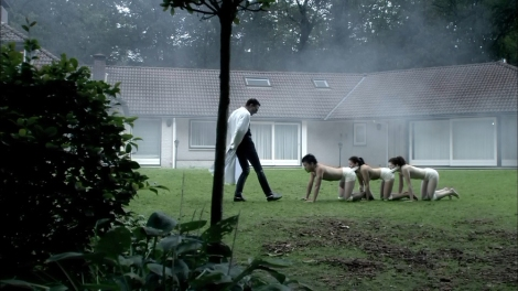 Image sourced from: http://www.dreadcentral.com/reviews/human-centipede-first-sequence-blu-ray-dvd