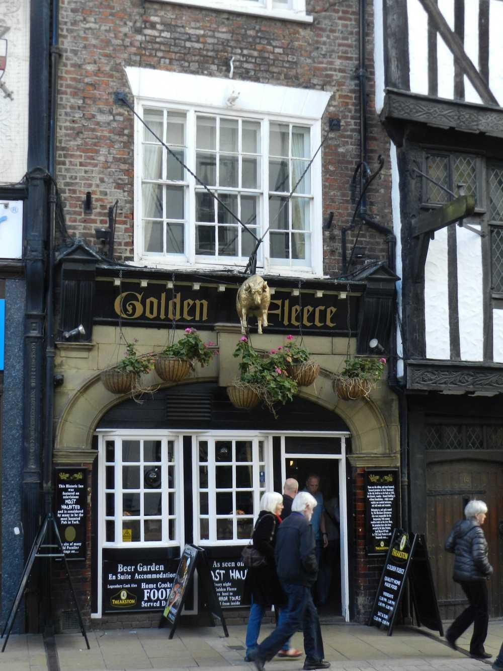 The Golden Fleece. Photos copyright QueenMab/Shipscook Photographic. contact simon.ball3@btopenworld.com for commercial reuse